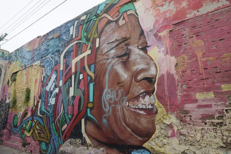Street art on the city walls of Catagena, Colombia.