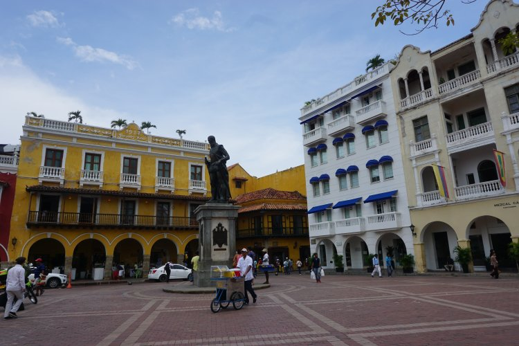 Visiting the Old City of Cartagena, an unmissable thing to do in Cartagena, Colombia.